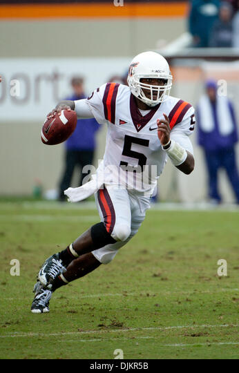 Tyrod Taylor Virginia Tech >> Lane Stadium Virginia Tech Stock Photos & Lane Stadium Virginia Tech Stock Images - Alamy