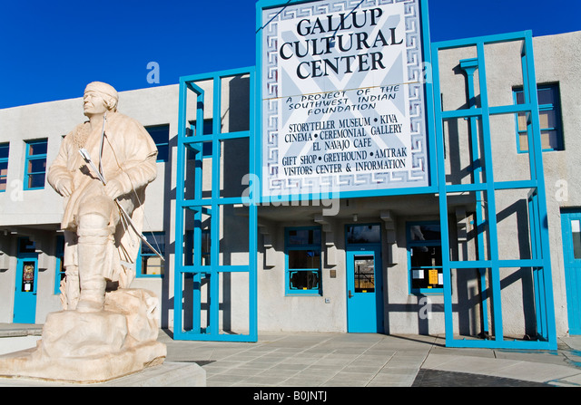 Indian Statue by Tim Ashburn Gallup Cultural Center Historic Route 66 Gallup New Mexico USA - Stock Image