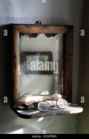 Vintage mirror in Orkney croft - Stock Image