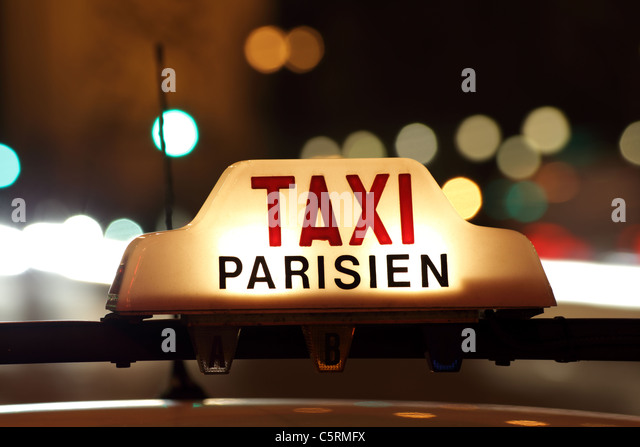 Paris taxi by the Arc de Triomphe - Stock Image