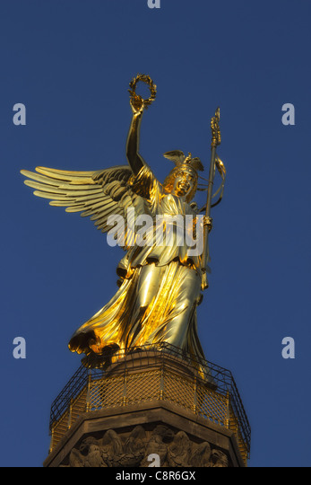 victory column with new gold, Berlin  - Stock Image