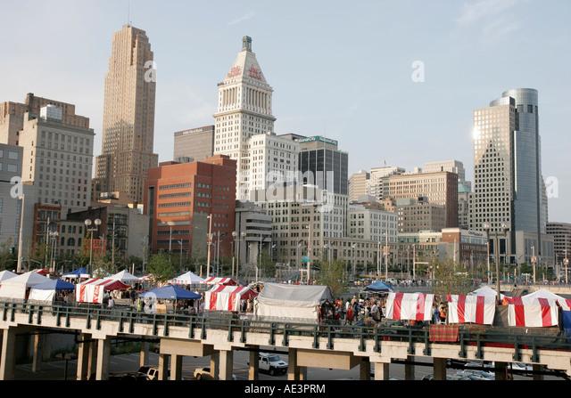 Ohio Cincinnati Paul Brown Stadium Macy's Music Festival Black ethnic arts and crafts tents city skyline - Stock Image