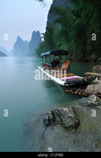 tourist boat on Li River near Yangshuo in Guilin region of China - Stock Image