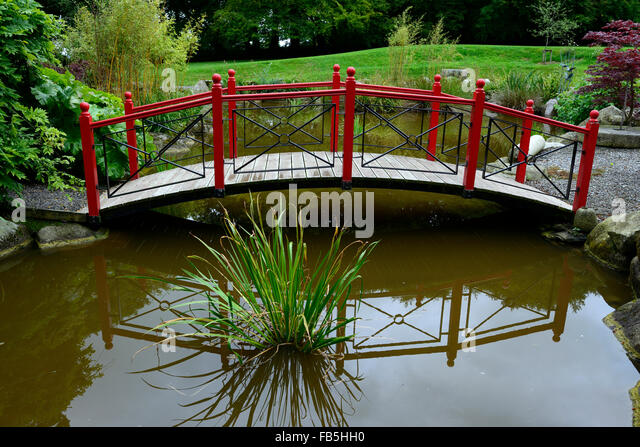 Asian style footbridges