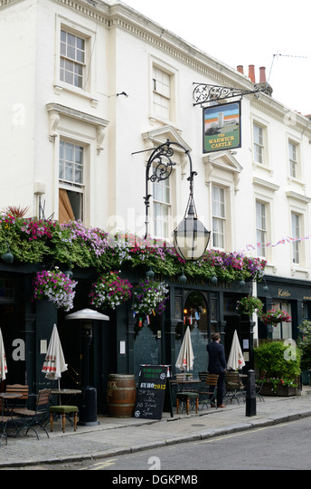 The Warwick Castle pub. - Stock Image