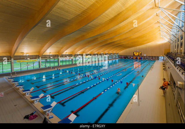 Indoor swimming pool uk stock photos indoor swimming pool uk stock images alamy for Hotels in portsmouth with swimming pool