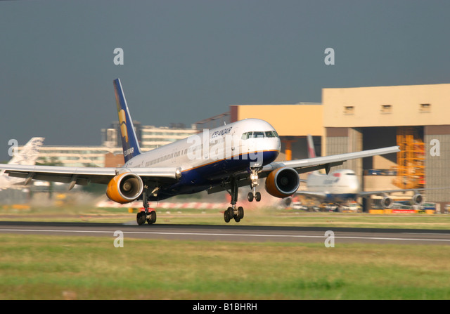 Icelandair Boeing 757-208  landing at London Heathrow Airport, England, United Kingdom. - Stock Image
