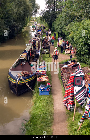 Narrowboats Fairport s Cropredy Convention friendly music festive near Banbury Oxfordshire on the south Oxford canal - Stock Image