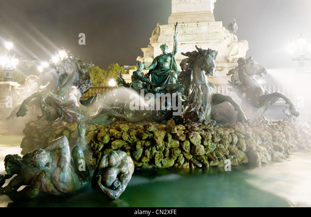 Fountain at night, Bordeaux, France - Stock Image