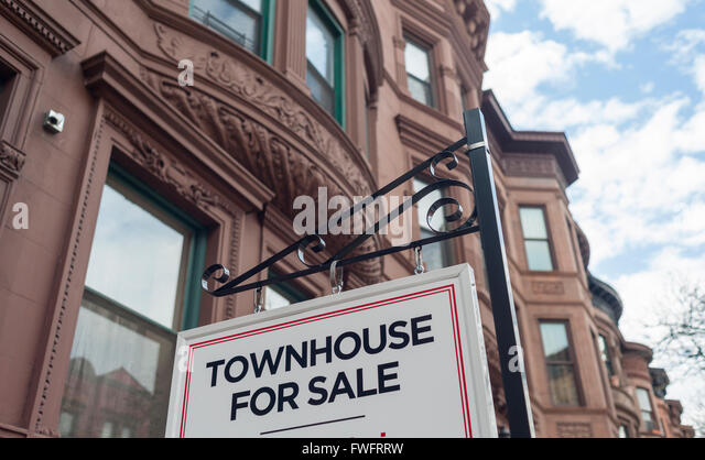New york city harlem brownstone stock photos new york for Townhouses for sale in harlem