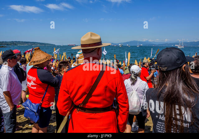 Gathering of Canoes, Canada 150+, Hadden Park / Vanier Park, Vancouver, British Columbia, Canada. - Stock Image