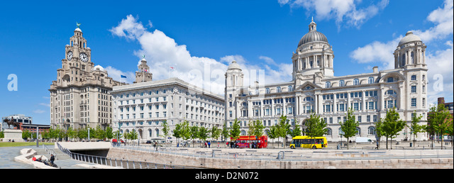 Pierhead Three Graces buildings, Liverpool Waterfront, Liverpool, Merseyside, England, UK - Stock-Bilder