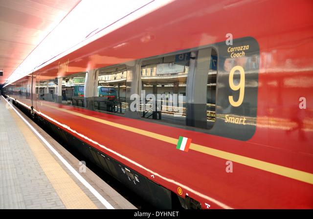 Italo train stock photos italo train stock images alamy - Binario italo porta garibaldi ...