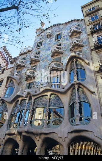 The Modernist façade of Antoni Gaudí's Casa Battló on Barcelona's Passeig de Gràcia - Stock-Bilder