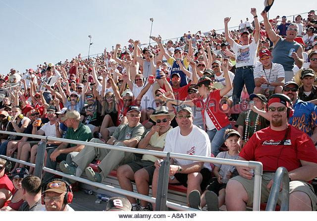 Talladega Alabama Superspeedway Aaron's 499 NASCAR Nextel Cup Series grandstand stock car racing fans - Stock Image