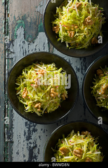 Savoy Cabbage Slaw with Apples, Radishes and Mustard Seed Vinaigrette. - Stock-Bilder