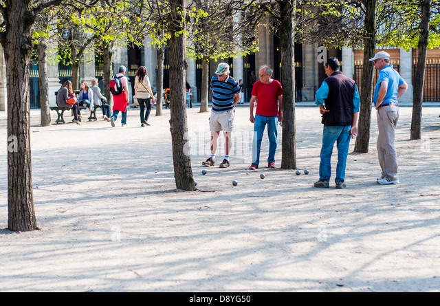 Men playing petanque stock photos men playing petanque for Bd du jardin botanique 50 bruxelles