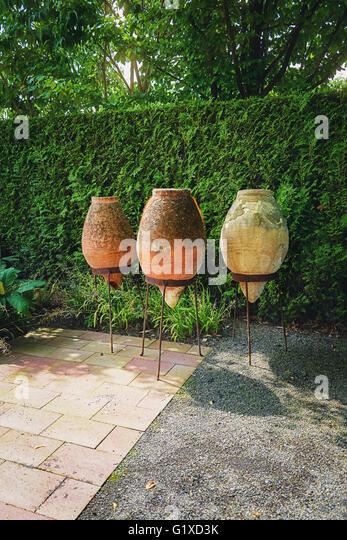 Gardens detail pot stock photos gardens detail pot stock for Xd garden design