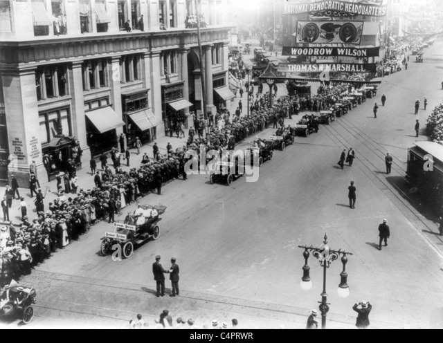 Parade of Olympic athletes, 5th Avenue, New York City. 1912 - Stock Image
