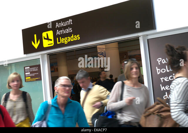 Airline passengers arriving at busy Lanzarote airport arrivals hall Canary Islands Spain - Stock-Bilder