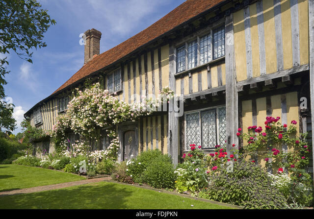 The early sixteenth-century half-timbered house, Smallhythe Place, the home of actress Ellen Terry from 1899 to - Stock-Bilder