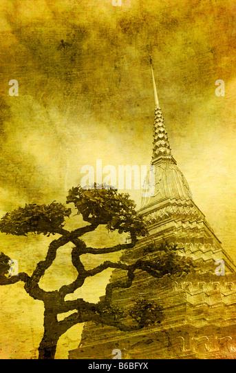 Vintage image of Golden stupa in Wat Phra Kaew Bangkok - Stock-Bilder