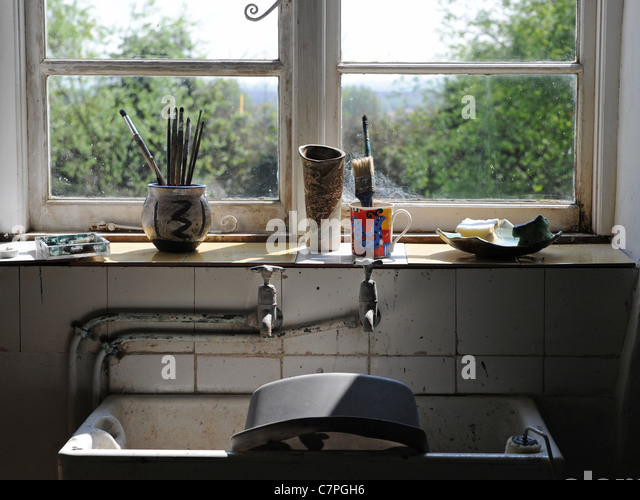 The sink area of a struggling artist - Stock-Bilder