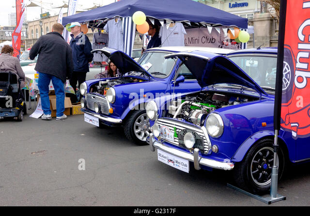 Brighton, UK. 22nd May 2016. Minis on Madeira Drive at the conclusion of the London to Brighton Mini Run which assembled - Stock Image