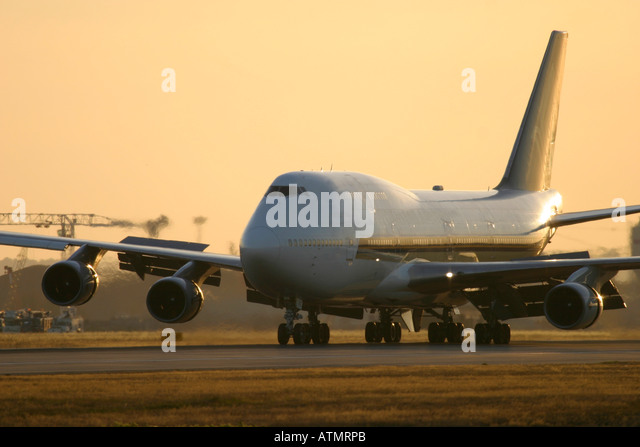 Singapore Airlines Boeing 747 at London Heathrow Airport - Stock Image