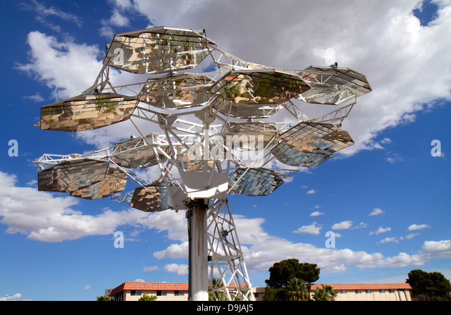 Nevada Las Vegas UNLV University of Nevada Center for Energy Research solar technology testing concentrated photovoltaic - Stock Image