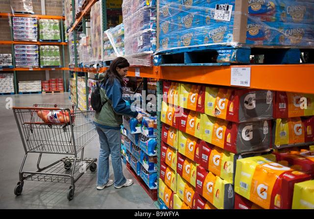 Wholesale stock photos wholesale stock images alamy for Wholesale fish market los angeles