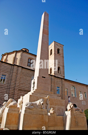 Lion obelisk fountain in the 14th century historic beautiful walled  hilltown of Jesi in Le Marche, Italy - Stock Image