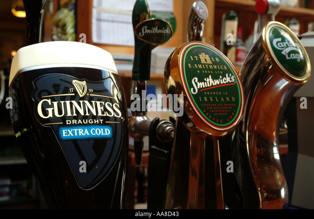 Harp lager stock photos harp lager stock images alamy for Guinness beer in ireland