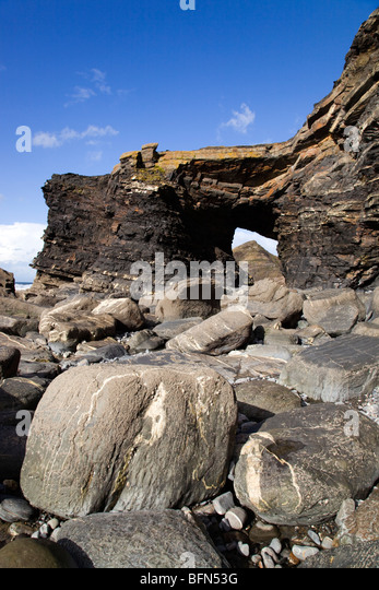 Strangles; sea arch Northern Door; geology part of the Crackington Haven formation; Cornwall - Stock Image