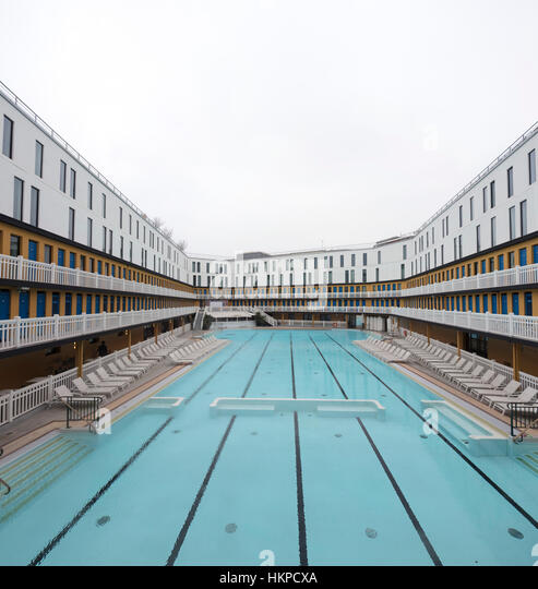 Molitor stock photos molitor stock images alamy for Piscine molitor