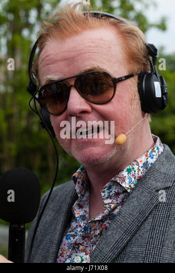 Chelsea Flower Show, London, England 22nd May 2017. Chris Evans broadcasting his breakfast show live from the Chelsea - Stock Image