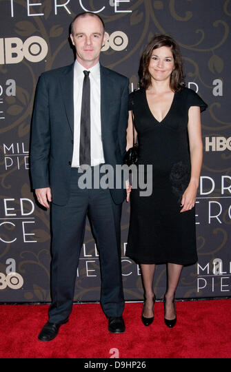 Brian O'Byrne and Heather Goldenhersh The New York Premiere of 'Mildred Pierce' - Arrivals New York - Stock Image