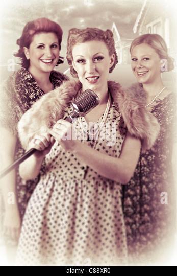 1940's 3 part  singing group - Stock-Bilder