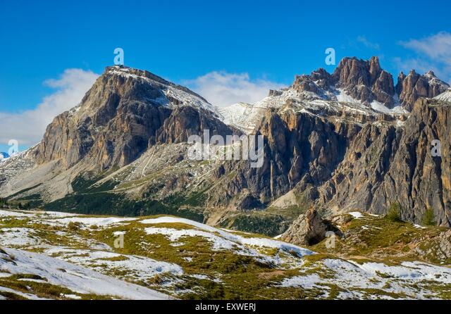Lagazuoi stock photos lagazuoi stock images alamy for Best view of dolomites