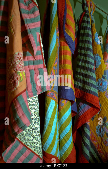 Bedspreads stock photos bedspreads stock images alamy for Caravane chambre 19 soldes