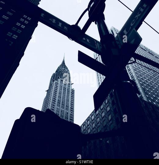 Chrysler Building from intersection of 41st & Lexington. - Stock Image