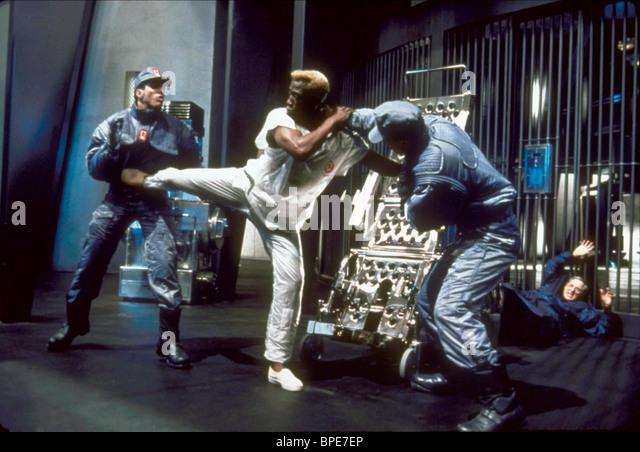 SCENE WITH WESLEY SNIPES DEMOLITION MAN (1993) - Stock Image