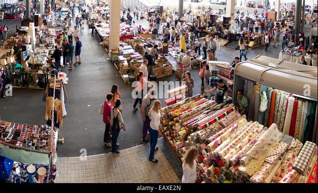 Mercat encants stock photos mercat encants stock images - El mercat de les glories ...