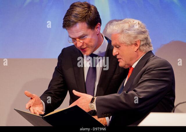 Maurits Hendriks Netherlands Prime Minister Mark Rutte L: Dutch Prime Minister Mark Rutte Stock Photos & Dutch Prime