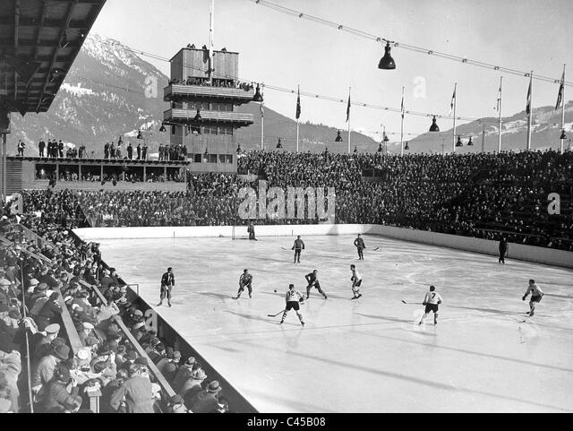 Ice Hockey match Canada vs. USA during the Olympic games, 1936 - Stock Image