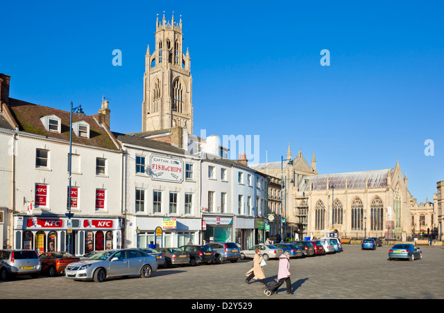 The Boston stump or St Botolph's church and Market place Boston Lincolnshire  England GB UK EU Europe - Stock Image