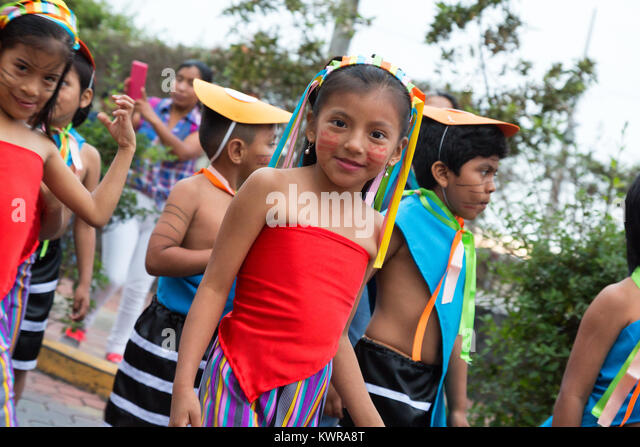 puerto ayora girls Galapagos archipelago: four islands to not miss  then there is the tortuga bay of puerto ayora the famed beach of galapagos is just a mile's walk from the crescent entrance you pass.