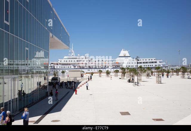 Port of Marseilles and Museum of European and Mediterranean Cultures - Stock-Bilder