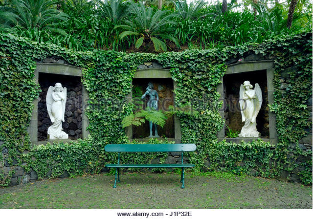 STATUES IN ALCOVES  MONTE PALACE TROPICAL GARDEN  MADEIRA - Stock Image