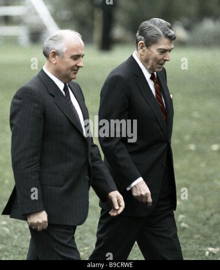 gorbachev and reagan meet in washington